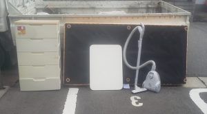 新潟市内で、ベッド・テーブル・掃除機回収のご依頼